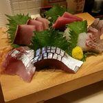 旬鮮とれたて市場 魚心 - 魚心まごころ御膳(刺身)