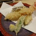 旬鮮とれたて市場 魚心 - 魚心まごころ御膳(天ぷら)