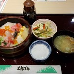 65576182 - 海鮮ちらし丼です。