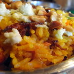 6558915 - ビリヤニアップ カッテージチーズがどっさり盛られていて、熱々のライスとふれあいややとろっとなりかけています。