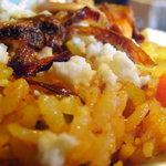 6558918 - ビリヤニアップ インディカ米がパラパラで、フライドオニオン、ニンジン、インゲン、クミン、シナモンが香ばしい。