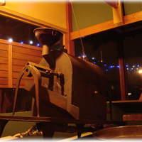 珈屋Lamp - オーナー自身の設計による珈琲焙煎窯。