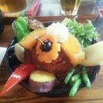 65582736 - 煮込みハンバーグ&野菜