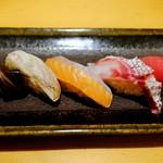 すし屋魚真 - 旬の5貫セット