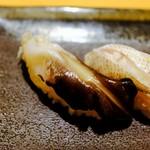 すし屋魚真 - 旬の5貫セット(トリガイ)