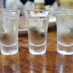 永楽食堂 - 利き酒三種(十四代、飛露喜、醸し人九平次)