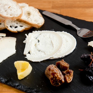 30種以上のワインと20種以上のチーズ!