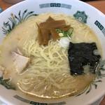 日高屋 - とんこつラーメン 大盛(410円+クーポン)