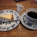ケンダース珈琲店 - 珈琲とチーズケーキ