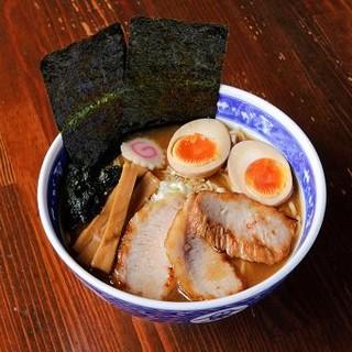 せたが屋 - 料理写真:せたが屋らーめん【全部入り】1030円