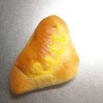 コロネット - 料理写真:カスタードクリームパン。