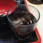 久美 - ランチにつくアイスコーヒー