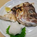 大衆割烹 三州屋 - 鯛かぶと塩焼き 580円