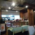 芦屋フレンチ北じま - ☆奥にはカウンター席とオープンキッチンがあります(#^.^#)☆