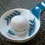 芦屋フレンチ北じま - ☆手作りな真っ白なマカロンも小菓子に最適☆