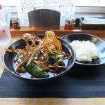 江別カリー エンヤ スパイス - チキンカリー(辛さ3番、ライス普通、1,100円)