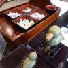 五辻の昆布 - 料理写真:お店のテーブルの上にも試食用の昆布