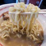 麺や 仁 - 麺は平打ち14番