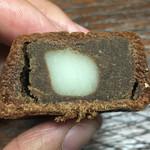 リブラン - 中は白餡とチョコ餡