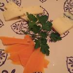 HENRY & HENRY - チーズ盛り合わせ