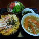 花見屋食堂 - 料理写真:かに丼750円