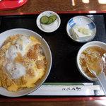 65651408 - かつ丼(700円)