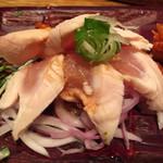 韓国鶏鍋 GOCHU - 鶏笹身の湯引き