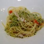 リストランテ カーサ瀬戸内 - 鰆とレタスのスパゲティーニ 香草パン添え