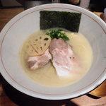 麺と心 7 - 濃厚魚介そば元味