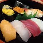 博多音羽鮨  - 料理写真:「にぎり彩(2300円:多分外税)
