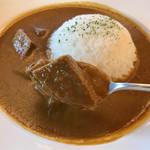 カフェ&レストラン花水木 - 飛騨牛カレー