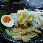 一撃らーめん - エビつけ麺(麺リフト)