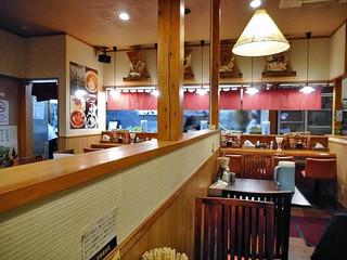 製麺屋食堂 - テーブル席 & カウンター席