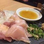 居酒屋 楽が気 - 赤鶏の刺身