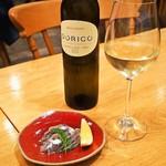 トラットリア・アルモ - 鰯のマリネ & 白ワイン