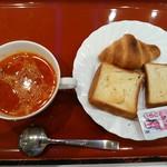 ホテル紅や - 料理写真:パンとスープ