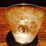 たら福 - 百年の孤独水割り(600円)