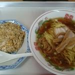 江楽 - 料理写真:半チャーハンセット(ラーメン)