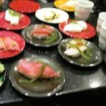 琉球回転寿司 海來 - ラストオーダーで頼んだら一気に提供され大変なことになりました。