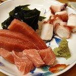 うるま - うるま @日本橋蛎殻町 鮪と蛸の刺身