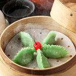 西安刀削麺酒楼 - ☆彩り美しい翡翠餃子☆野菜のみのヘルシー蒸し餃子です♪