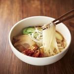 くいどん - 麺イメージ