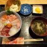 Sugiya - 本日のおまかせすぎ屋丼 880円