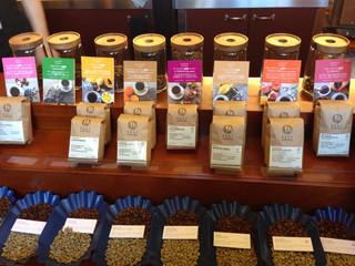 NOZY COFFEE 三宿店 - お豆は8種類で、香りなどを写真で表しています