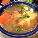 """タン・カフェ - """"じゃが芋スープ""""のアップ。"""