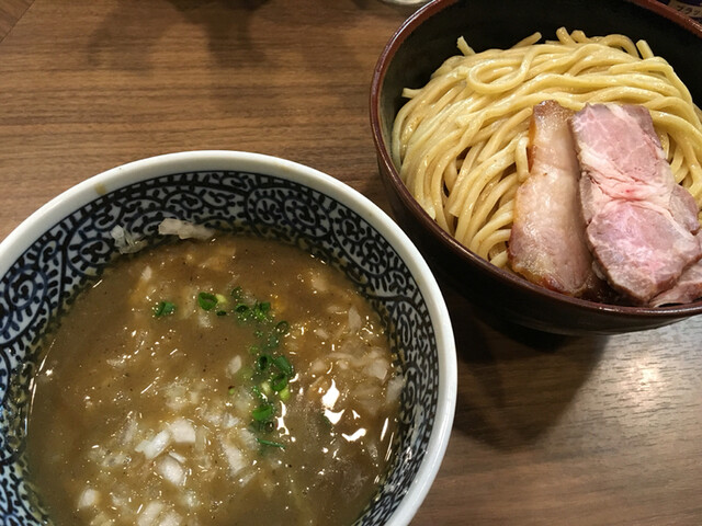煮干しつけ麺 宮元 - 極濃煮干しつけ麺  中盛り  タマネギトッピング