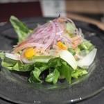 熟成肉専門 但馬屋 - 季節野菜の彩りサラダ
