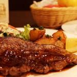 熟成肉×Bistro OGINO - 超希少部位のハバキをステーキにしたことで、お肉の旨みがしっかり感じられるステーキになりました。