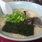 博多ばってんラーメン - 料理写真: