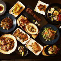 WOLF CALL - お気軽鉄板焼きから和洋料理とワイン、日本酒、カクテルに合う料理豊富に取り揃えてます。